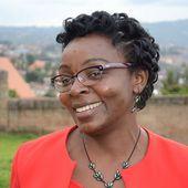 Victoire Ingabire avuga ko atakorana ikiganiro mpaka n'umuntu udafite uburere nka Tom Ndahiro.