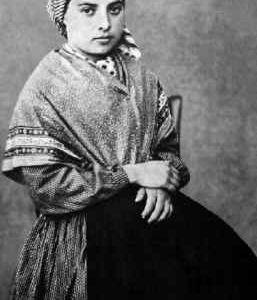 16 Aprile: Santa Bernadette Soubirous - Preghiere e vita