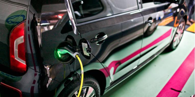 Conférence en ligne: la GIGAFACTORY de batteries à Douvrin: