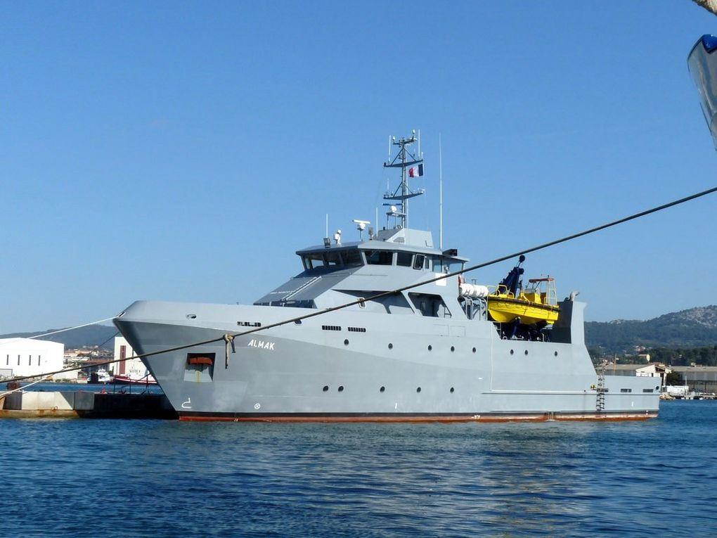 ALMAK , navire pour l'instruction à la navigation