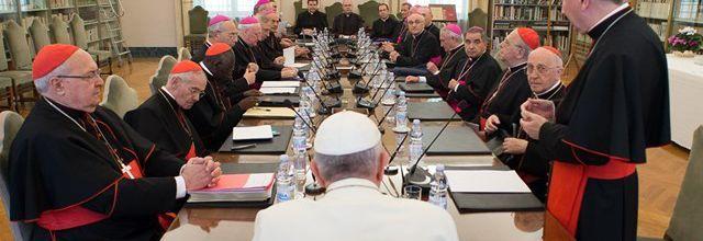 Le Pape, plus près du personnel diplomatique de l'Eglise dans le monde