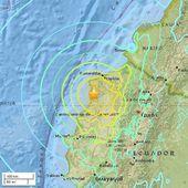 Équateur : un séisme de magnitude 7,8 et le pays est encore en alerte d'un tsunami + Au Pérou, un séisme de 7,4 a secoué le nord du pays à la même heure samedi - MOINS de BIENS PLUS de LIENS