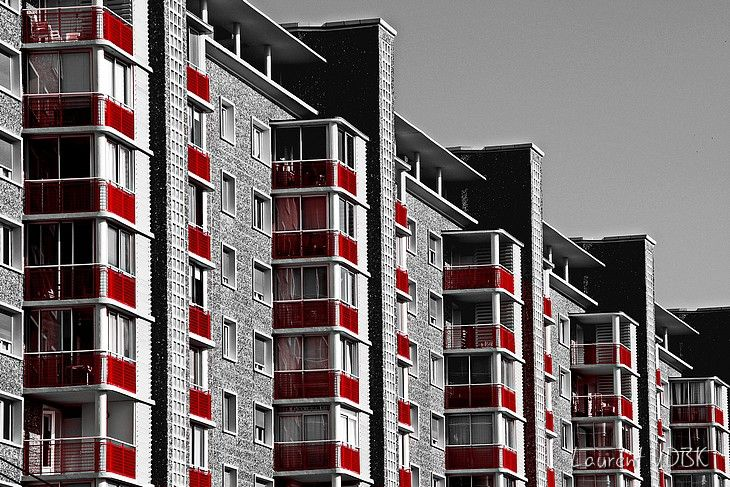 1506 - Balcons Rouges