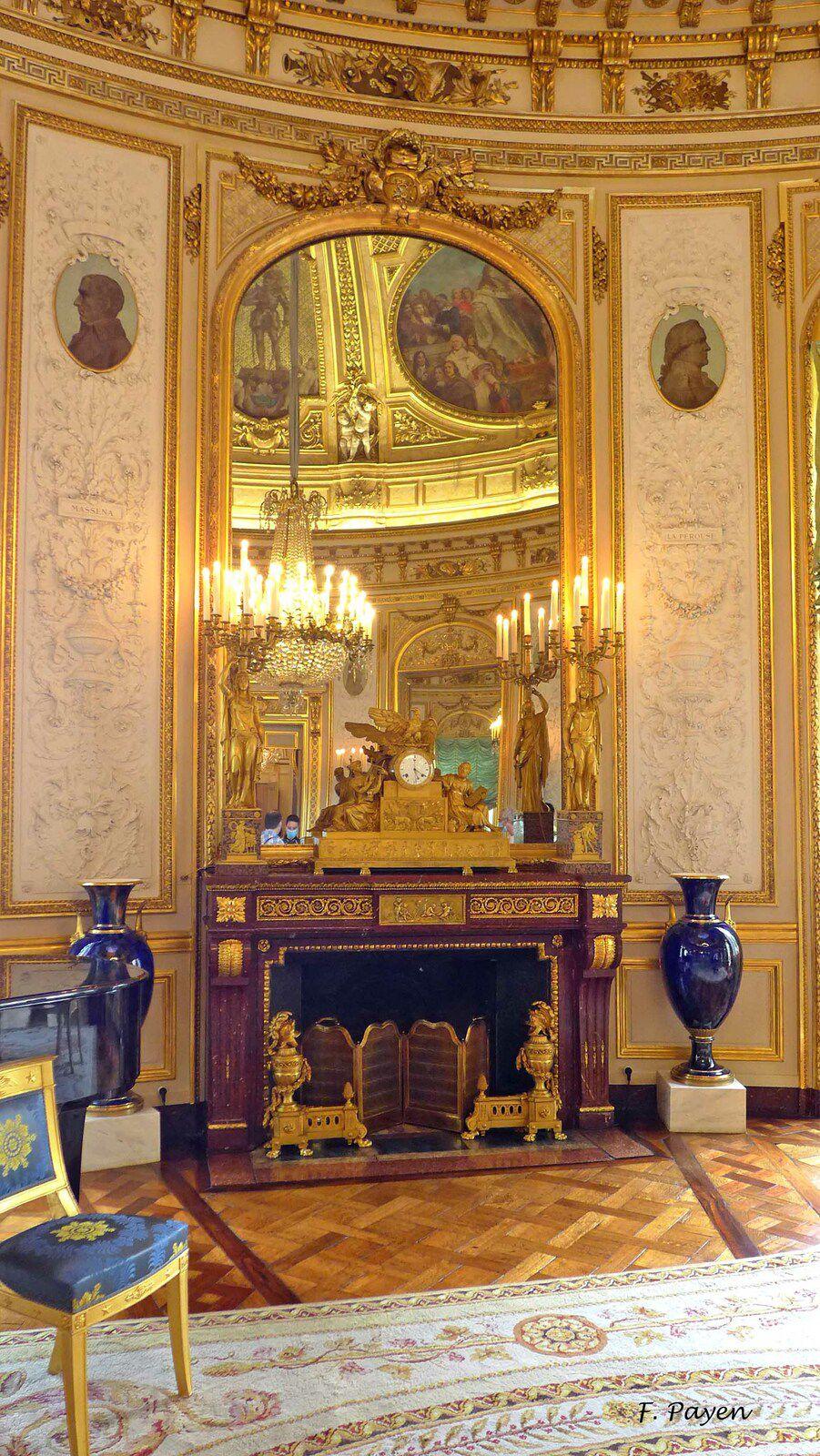Palais de la Légion d'honneur : le salon de la rotonde.