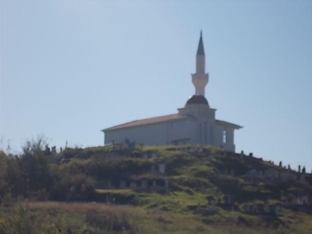 premières photos de Montenegro,  Budva et alentours ....vins cépage : vranac en rouge,, krstrac en blanc..!!!cépages locaux.....les autres ..cabernet, merlot, riesling, chardonnay......bon anniv Kaisa and Doina......