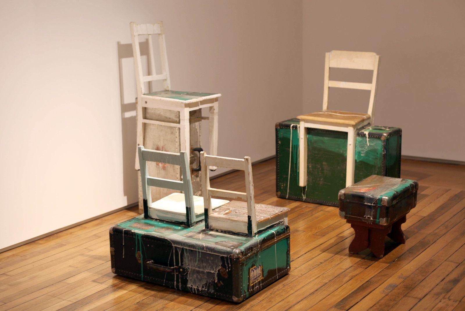 """Useful Art N°4: Suitcase Family"", 1992 de Edward & Nancy KIENHOLZ - Courtesy Galerie Templon © Photo Éric Simon"