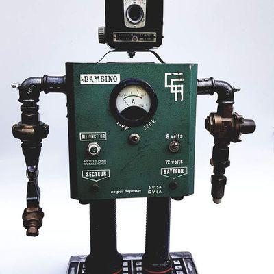 sculpture robot: Bambino