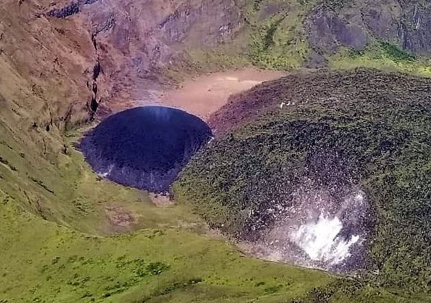 Soufrière de St-Vincent - the dome during the flight over on January 3, 2021 - photo NEMO