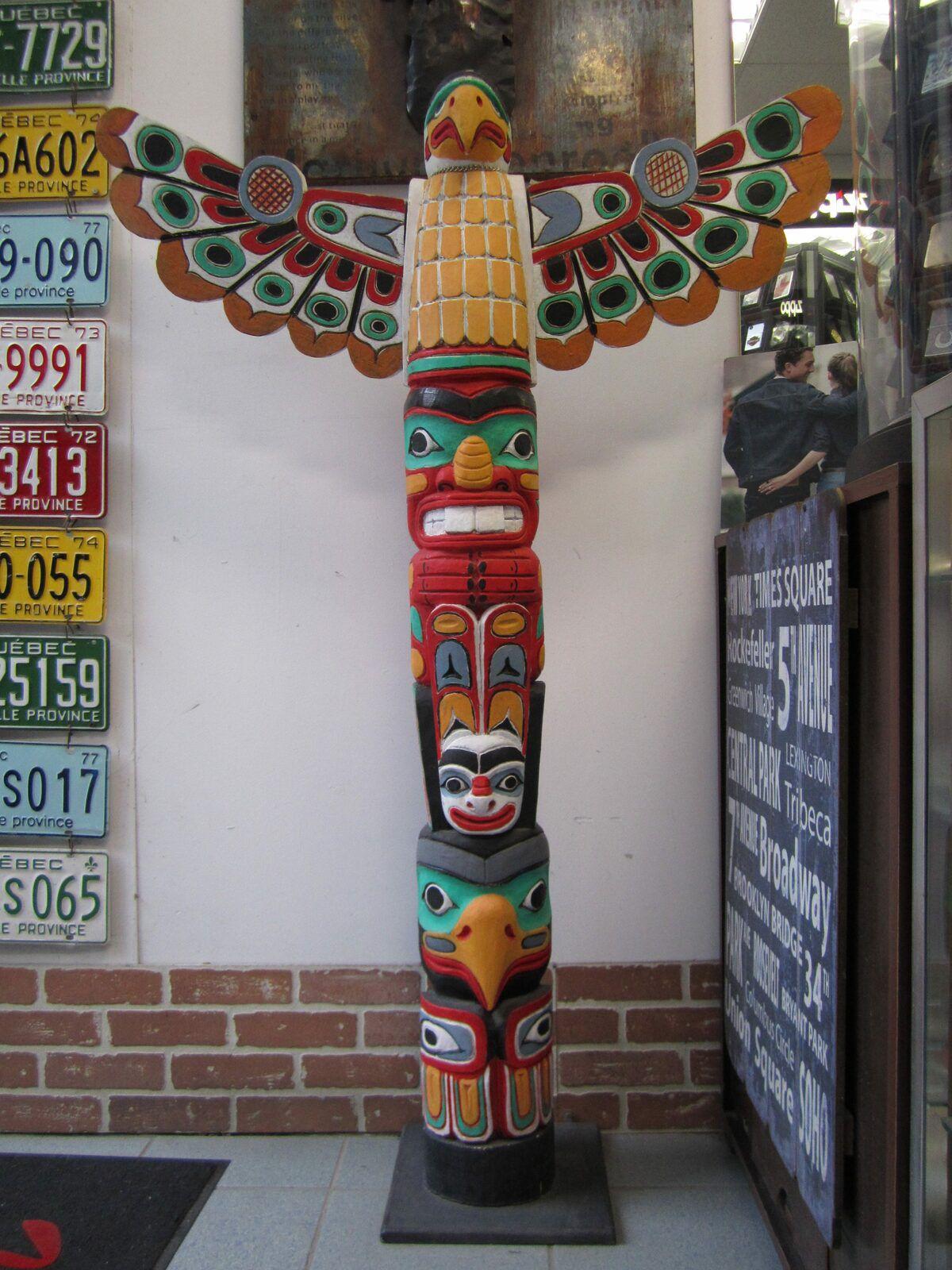 ARTEMISIA/MARCEL • totem inspiré des Amérindiens