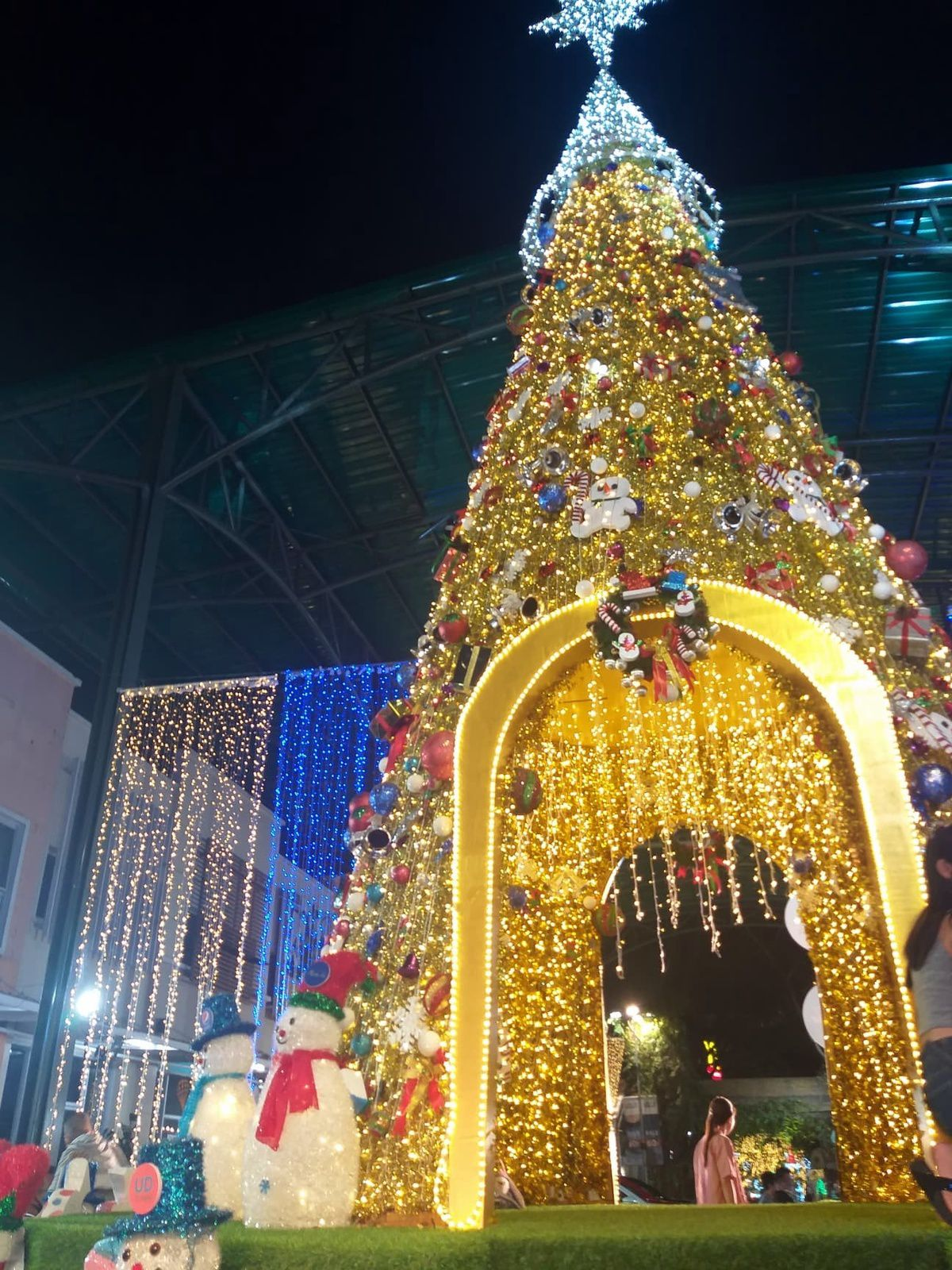20 décembre 2020: Udonthani se prépare à fêter Noël.