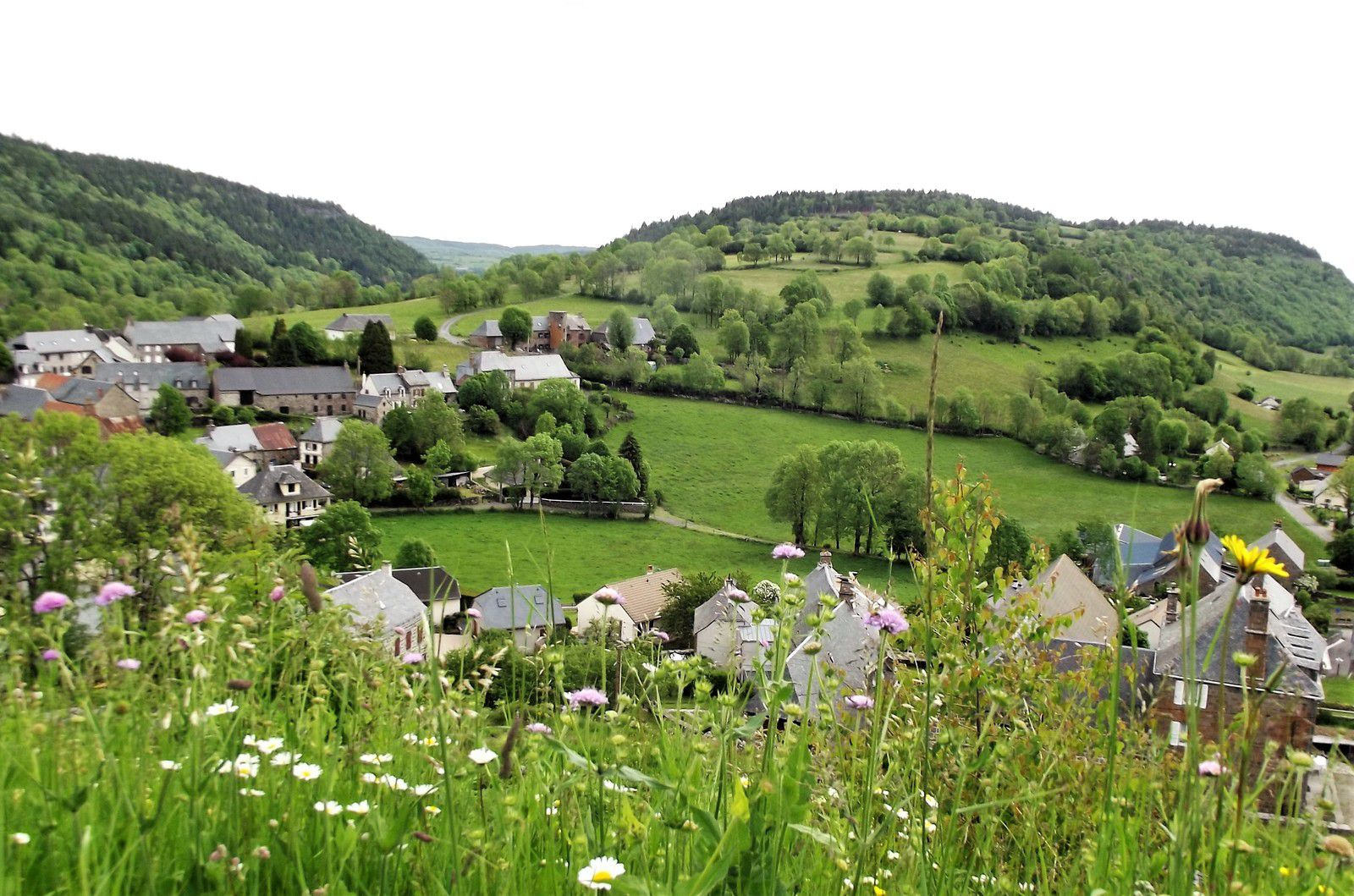 Albepierre Bredons près d Murat dans le Cantal