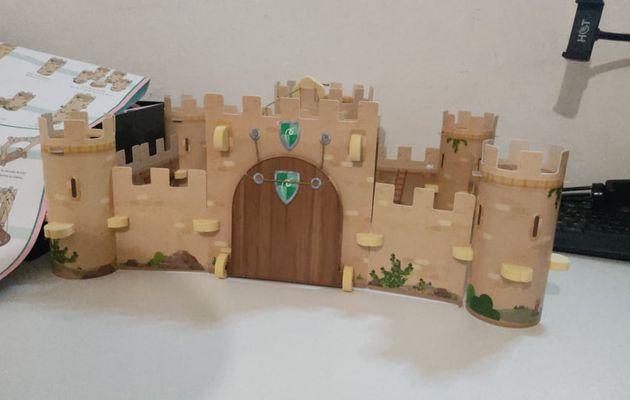 Kit Pandacratf Bryan construit un château fort 🏰