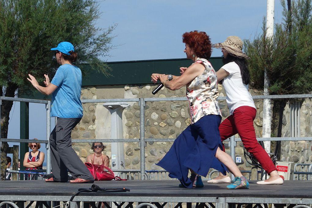 Reme, Catherine, Maité et une touriste belge ravie d'avoir essayé.