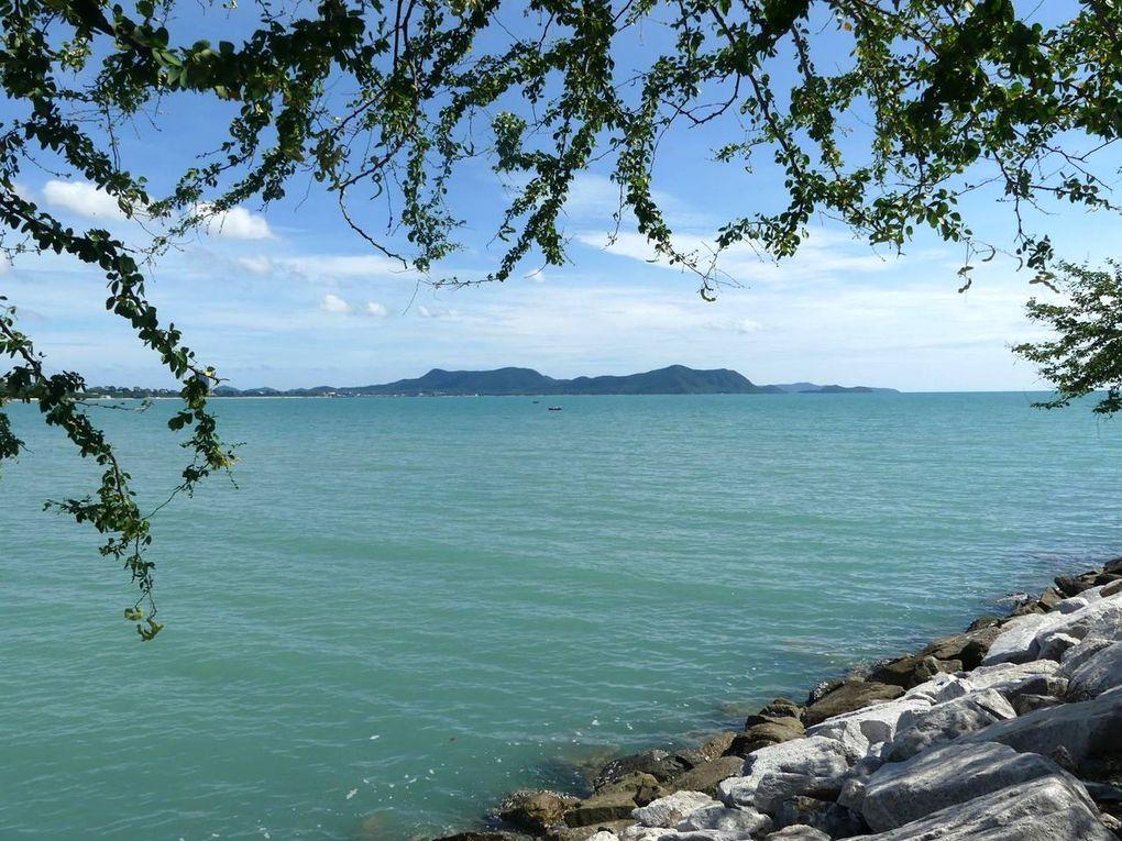 Un dimanche à la plage... à Ban Amphoe