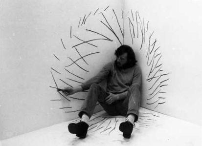 Rysunek w kacie @ Zbigniew Warpechowski. 1971. Galerie Foksal. Varsovie. photo. Piotr Baracz