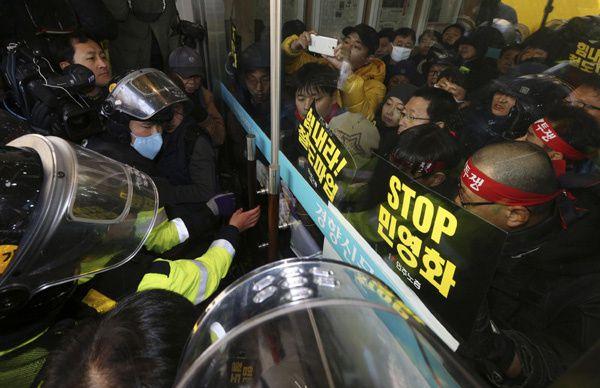 Corée du sud : deuxième semaine d'une grève historique contre la privatisation du rail malgré une répression brutale