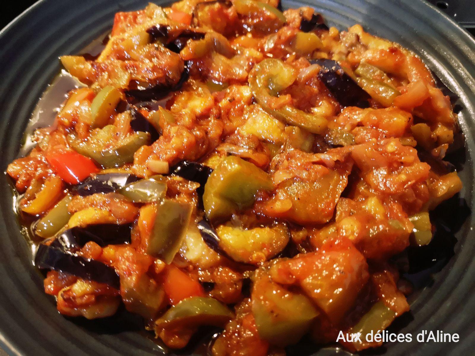 Poêlée de légumes et d'aubergines frites ou makmour