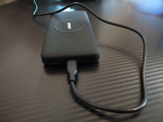 test et avis sur la batterie externe hybride avec chargeur sans fil Qi - Anker PowerCore 10K Wireless @ Tests et Bons Plans
