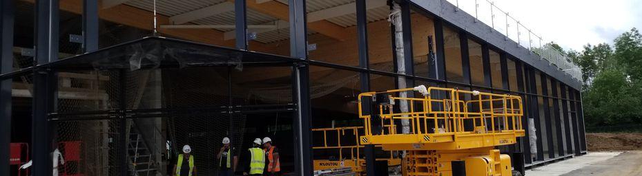 Relevés de charpente pour pose de bardage sur un bâtiment en construction , secteur d'activité : grande surface alimentaire.