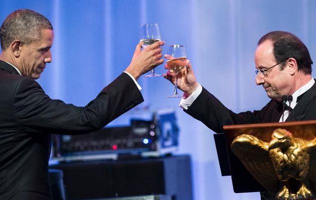 Quand Hollande faisait allégeance à l'ambassadeur américain, en 2006 : « Nous serons plus pro-européens et pro-américains que Chirac »