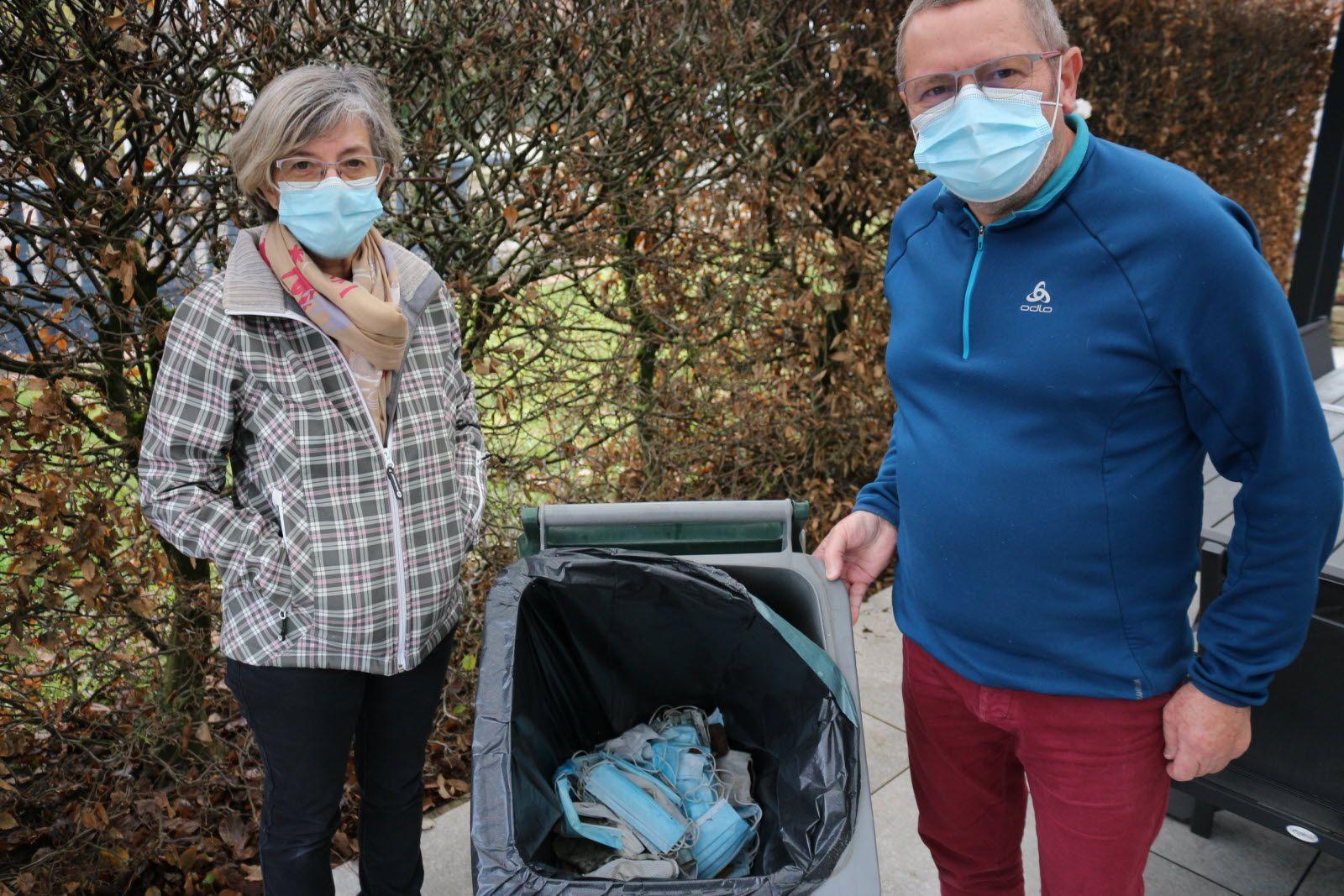 Anne et Pascal Vierheller passionnés de marche qui ont voulu joindre l'utile à l'agréable en alertant l'opinion publique  Photo ER