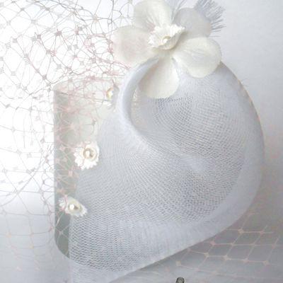 Bibi à voilette blanc et rose