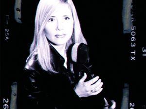 """virna Lindt, une passionnante chanteuse suédoise qui nous livrait """"shiver"""" en 1983, une coldwave cinématographique"""