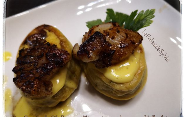 Savarins de Saint-Jacques rôties, poireaux et sa sauce Hollandaise