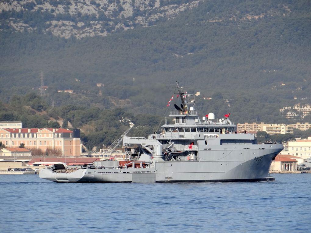 LOIRE  A602, batiment de soutien et d'assistance hauturière ( BSAH ) a son arrivée dans son port d'attache Toulon le 17 novembre 2017