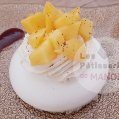 Pavlova individuelle à la chantilly mascarpone citron et dès de mangue frais!