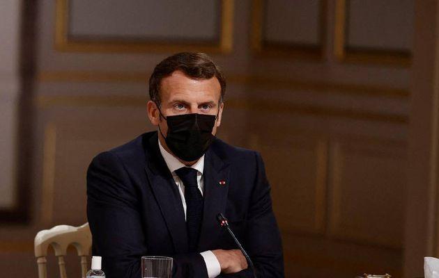 Déconfinement: Macron pressé de tourner la page de la crise sanitaire