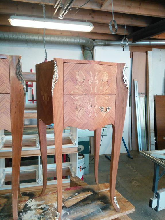 chevet avant restauration (5 premières photos) puis les 3 photos suivantes : avant - après (chevet nettoyé et restauré ainsi que les garnitures) mais non remis en vernis .