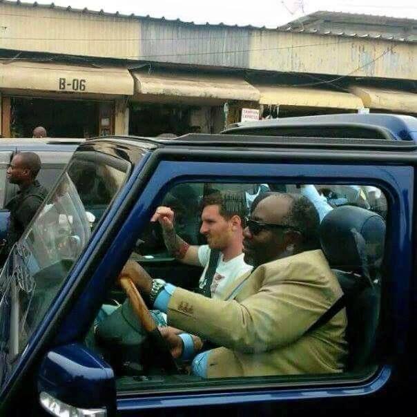 Photo trouvée sur Facebook, relayée (à moins qu'il ne l'ait prise lui-même, il en est capable) par notre camarade Olivier Enogo (Vox Africa).