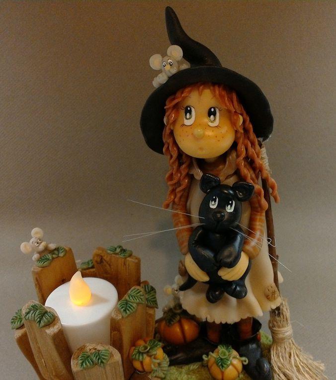 Porte-bougie avec sorcière en porcelaine froide