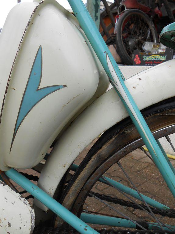 De Dion Bouton 46L du  Année : vers 1957 N° moteur : 37...... N° cadre : 66...... Carburateur : Zenith 13 MXZ 9