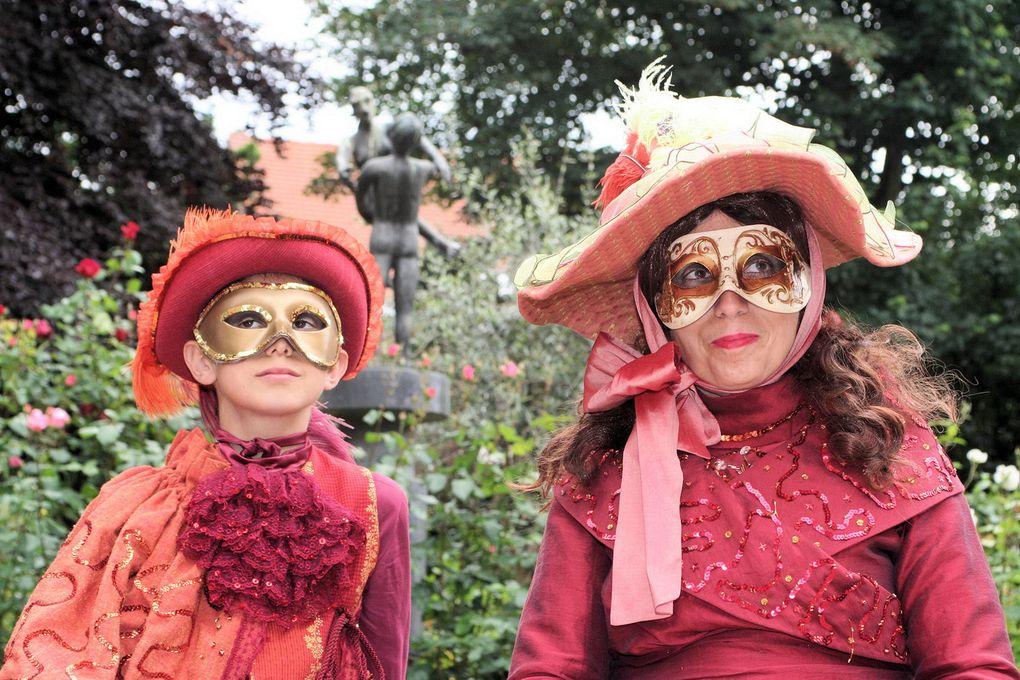 Les Saltimbanques ont participé à leur premier carnaval à Mouscron. Ce ne sera pas le dernier c'est certain. A bientôt Mouscron!