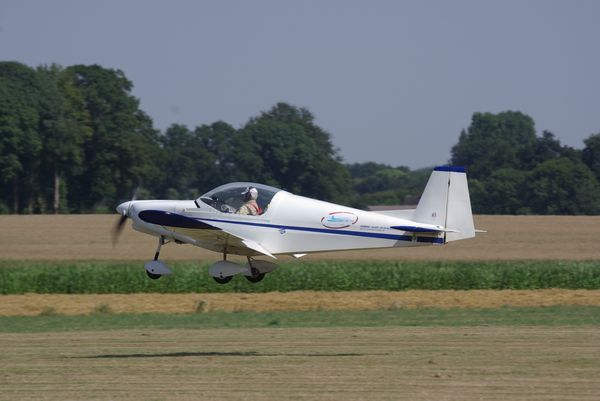Alpi Aviation Pioneer 200 concurrents 05 et 302. (diapo 2 photos)