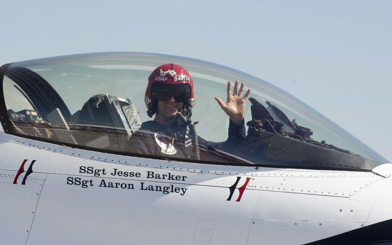 Le commandant de la patrouille des Thunderbirds a été relevé de ses fonctions