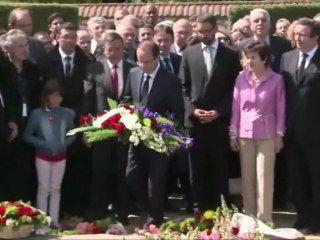 Hollande rend hommage à Pierre Bérégovoy