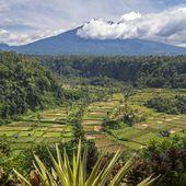 Bali : l'activité sismique augmente, 57.000 personnes évacuées - Sciencesetavenir.fr