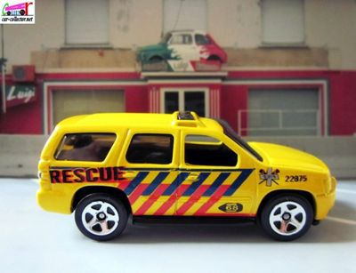 07-chevy-tahoe-chevrolet-tahoe-2007-city-rescue-hot-wheels-2013