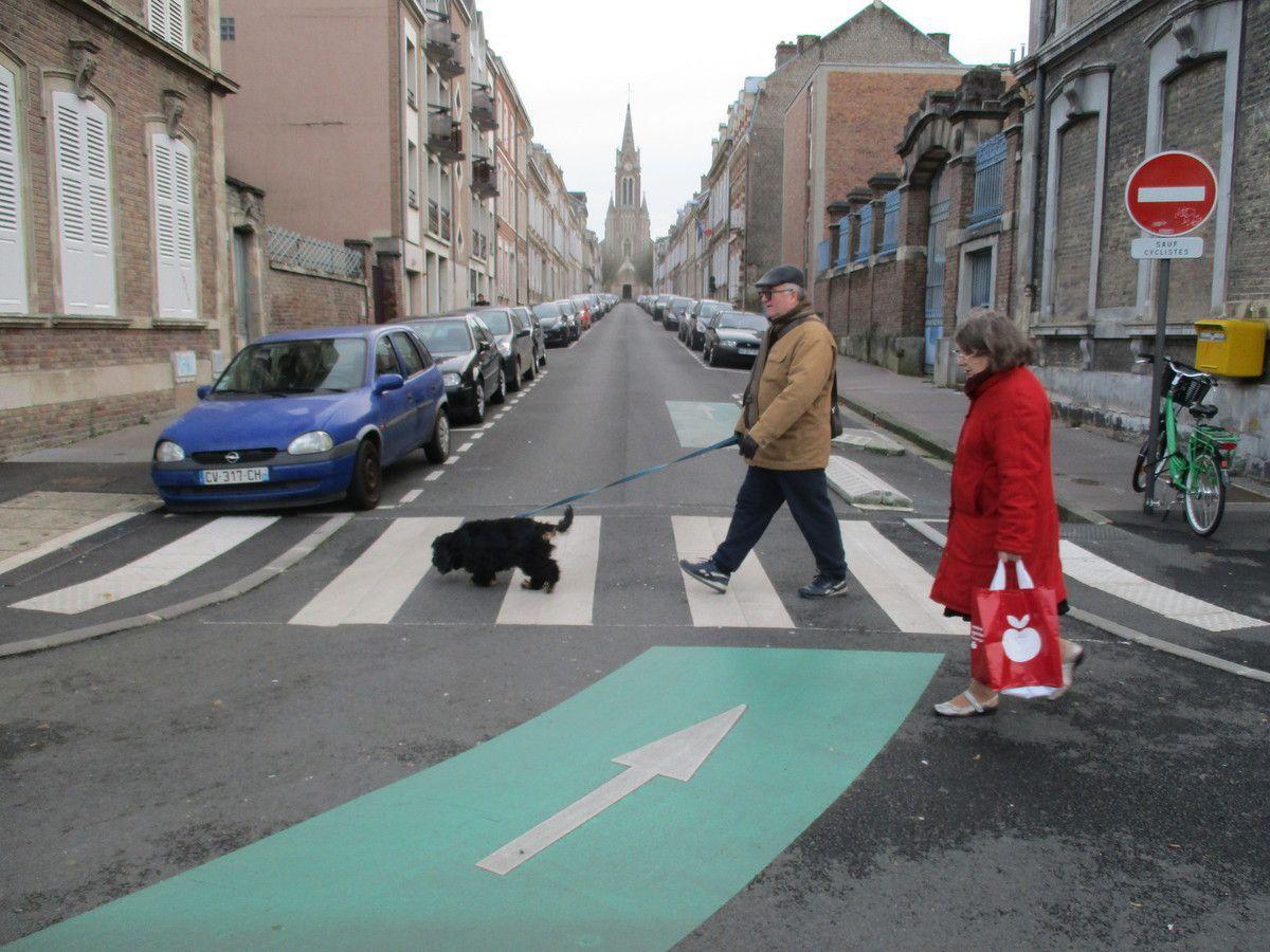 Amiens. Lire la ville. Rue Debray. Nov. 2016. © Jean-Louis Crimon