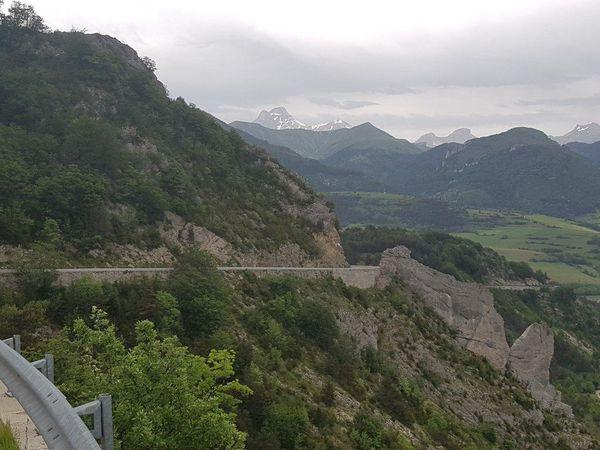 Notre col le plus haut (1318) du séjour : Grimone en Drôme pour rejoindre Lus la Croix Haute.