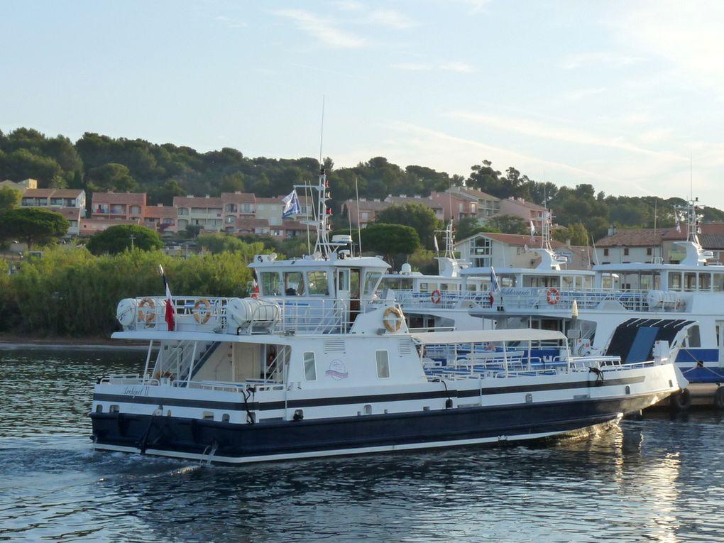 ARCHIPEL  II      ,  arrivant et appareillant du port de la tour fondue , presqu'ile de Giens ,Hyères (83) le 27 juillet 2016