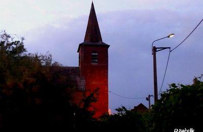 Devant l'église…
