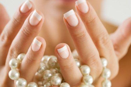Comment faire pousser ses ongles naturellement & rapidement ?