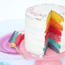 Un gâteau arc-en-ciel: rainbow cake!