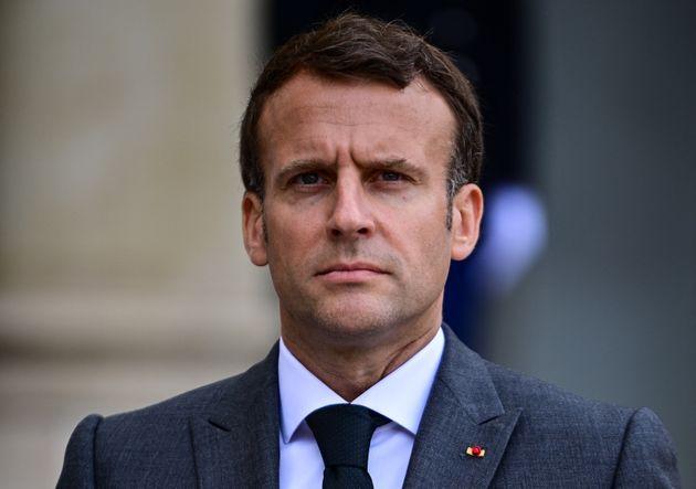 """Macron compare la France de 2021 à """"la fin du Moyen Âge"""""""