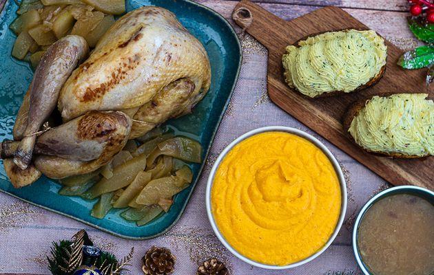 Pintade au miel et poire, mousseline à la butternut et pommes de terre reconstituées pour un repas de Noël
