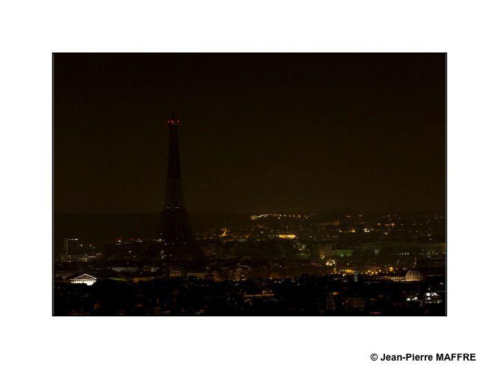 Quelle chance de pouvoir contempler et photographier Paris d'un point d'observation aussi élevé.